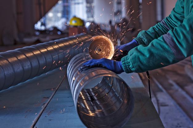 arc-welding-steel-construction-site_2831-695